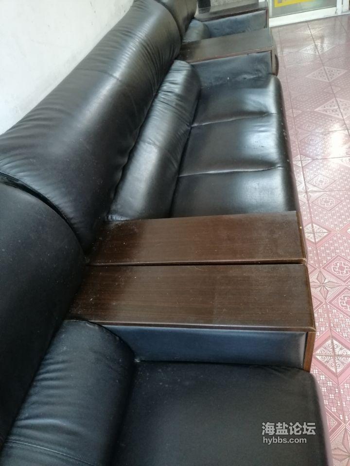 二手沙发一套800元