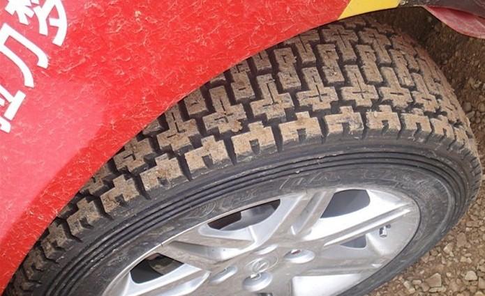 这轮胎2000一个